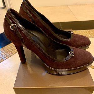 NEW in box Gucci heels